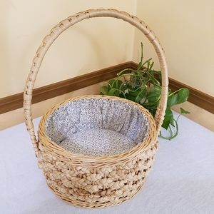 Basket With Cloth Lining